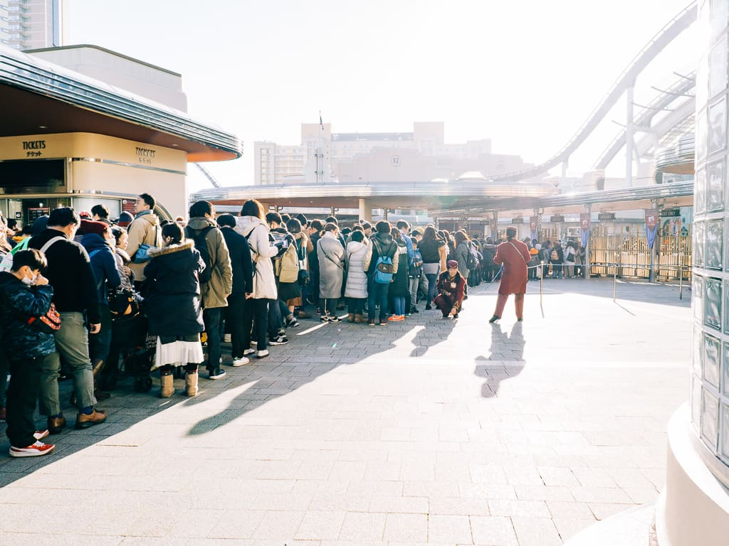 The line to the entrance gate of Universal Studios Japan