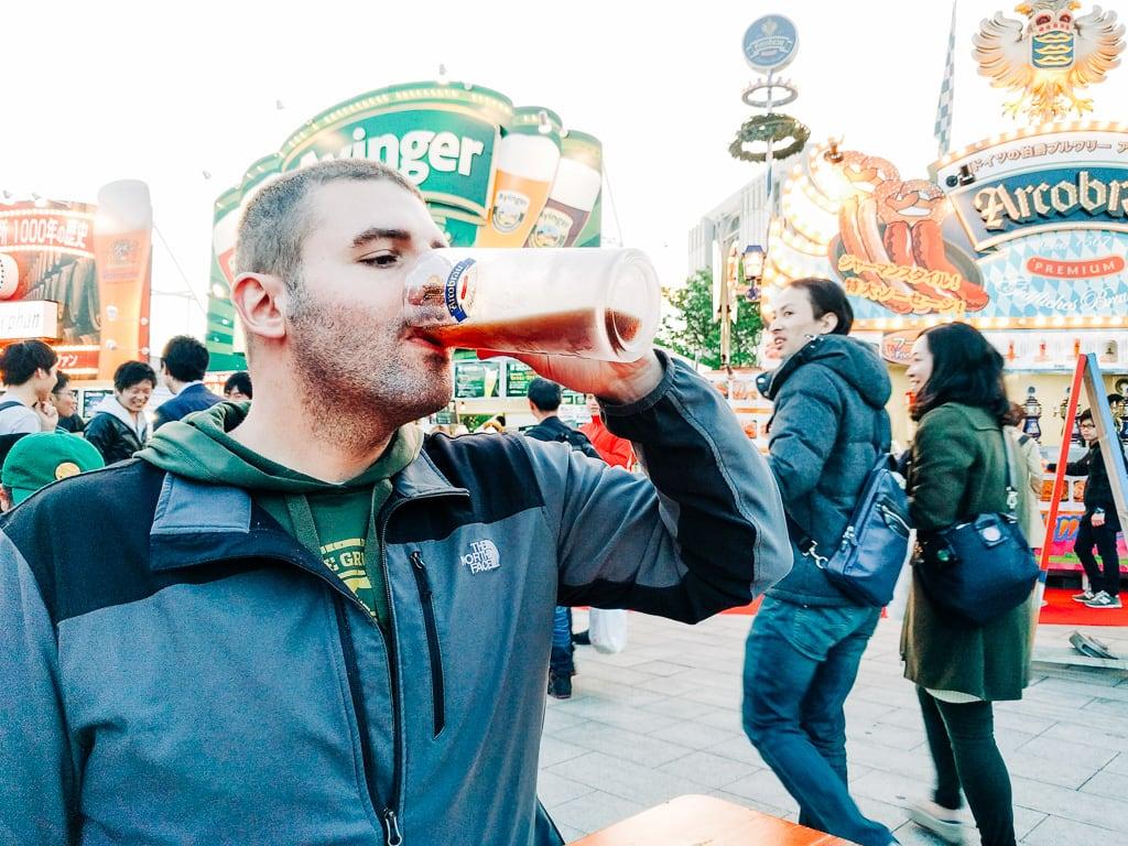 Drinking in public in Japan