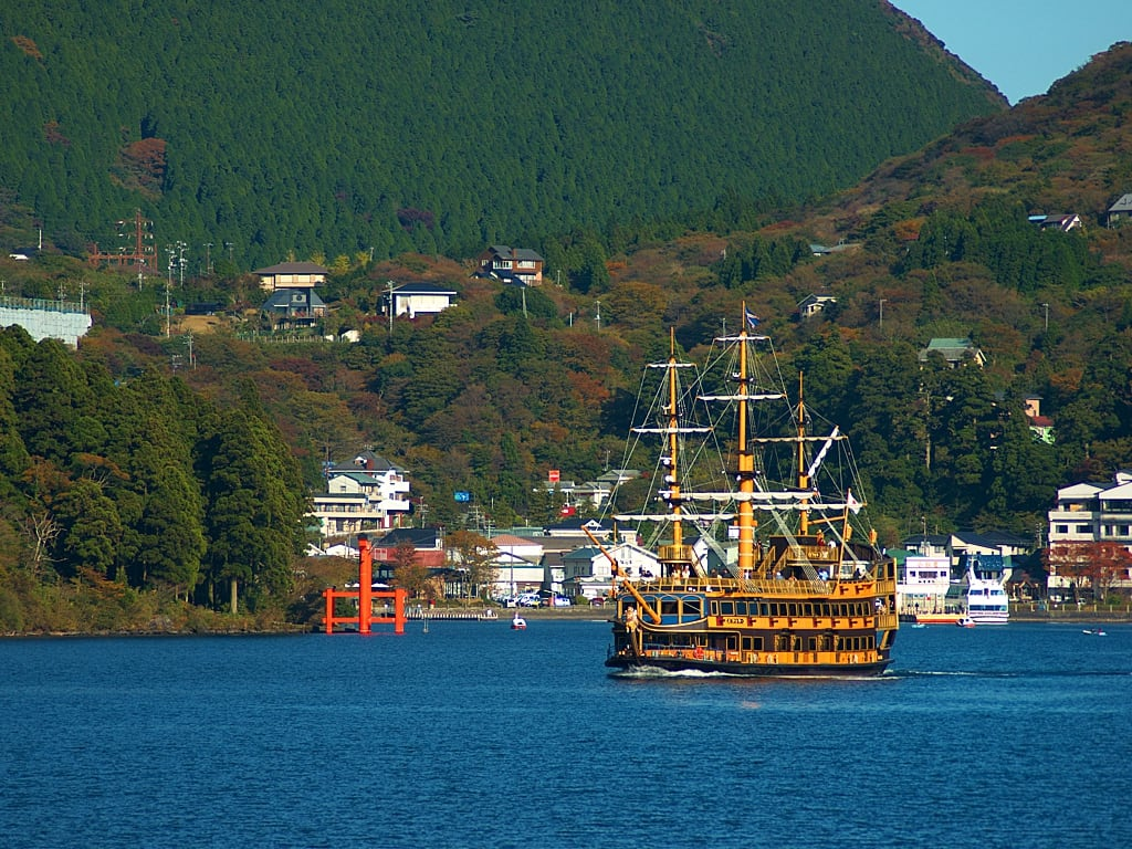 Cruising in Lake Ashi in Hakone